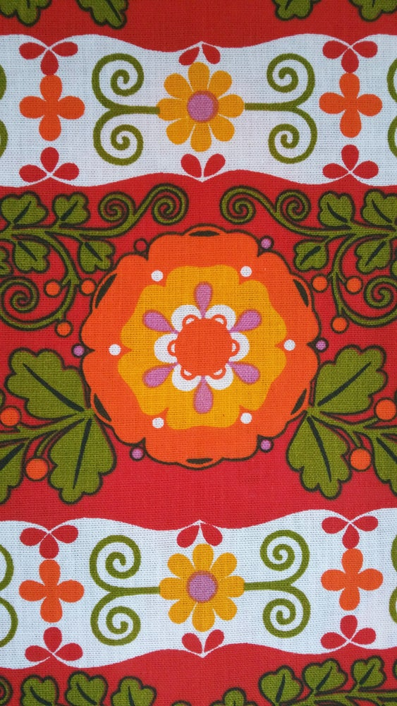 Image of Red Dekoplus Folky Floral - fat quarter