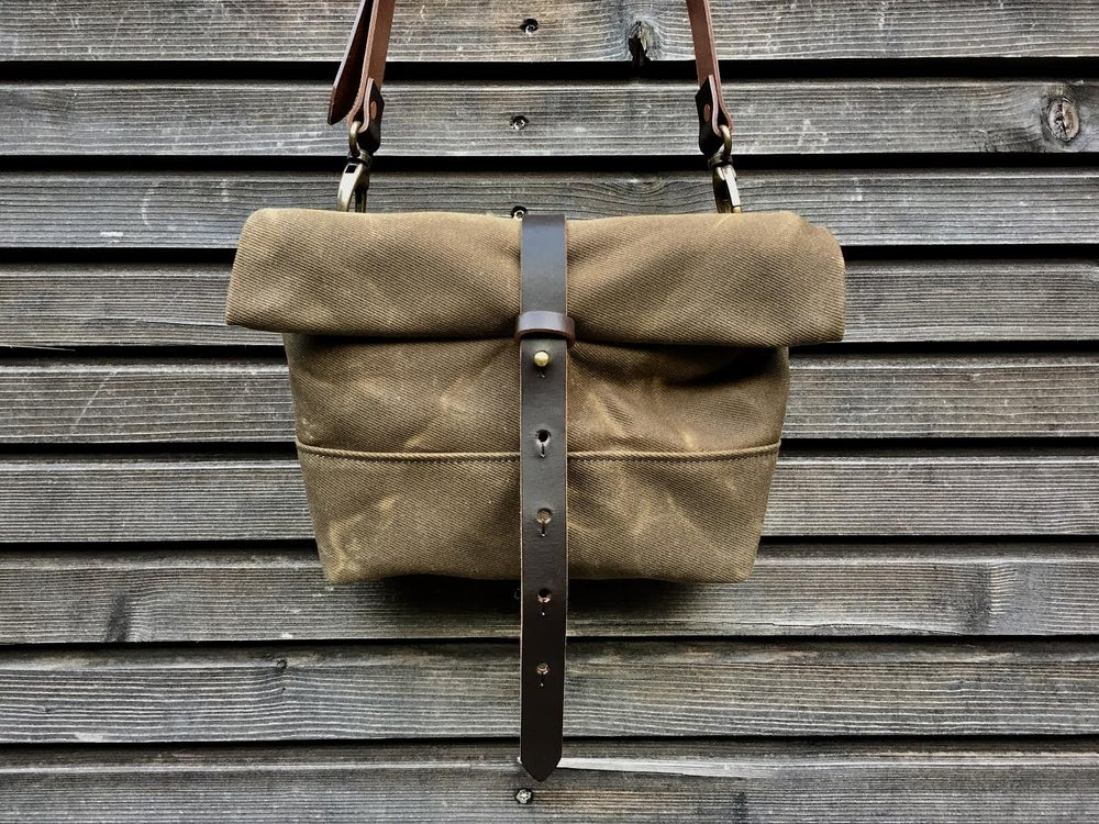 Image of Musette, daypack, handlebar bag in waxed filter twill