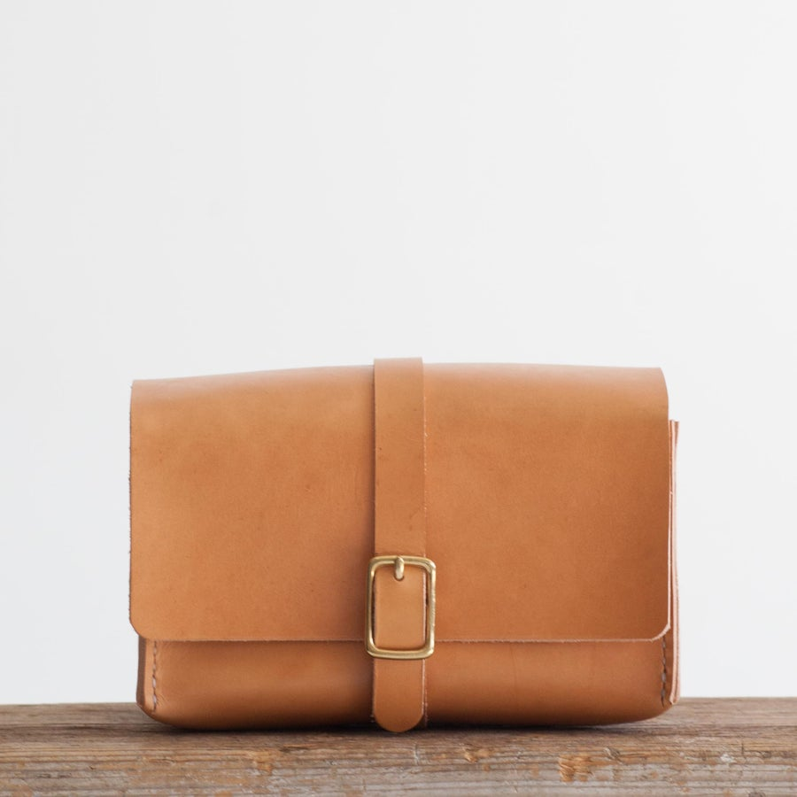 Image of Blonde Dopp Kit