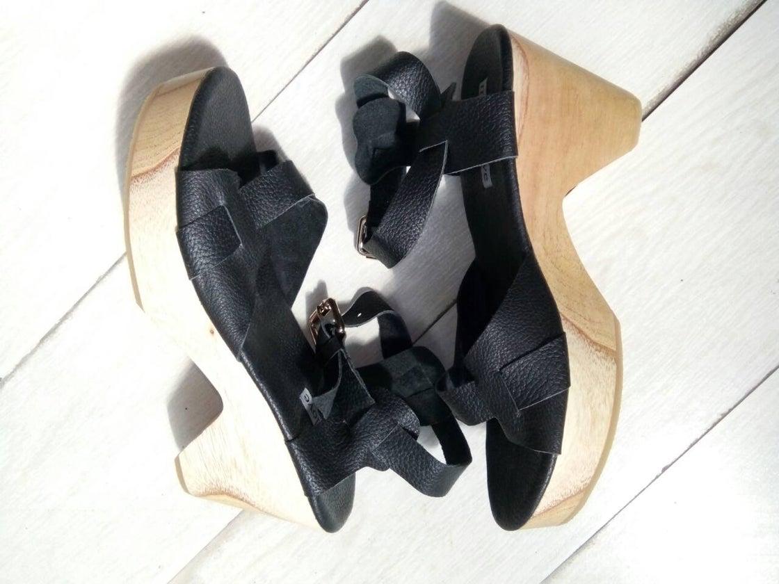 Image of LISA SANDAL - BLACK