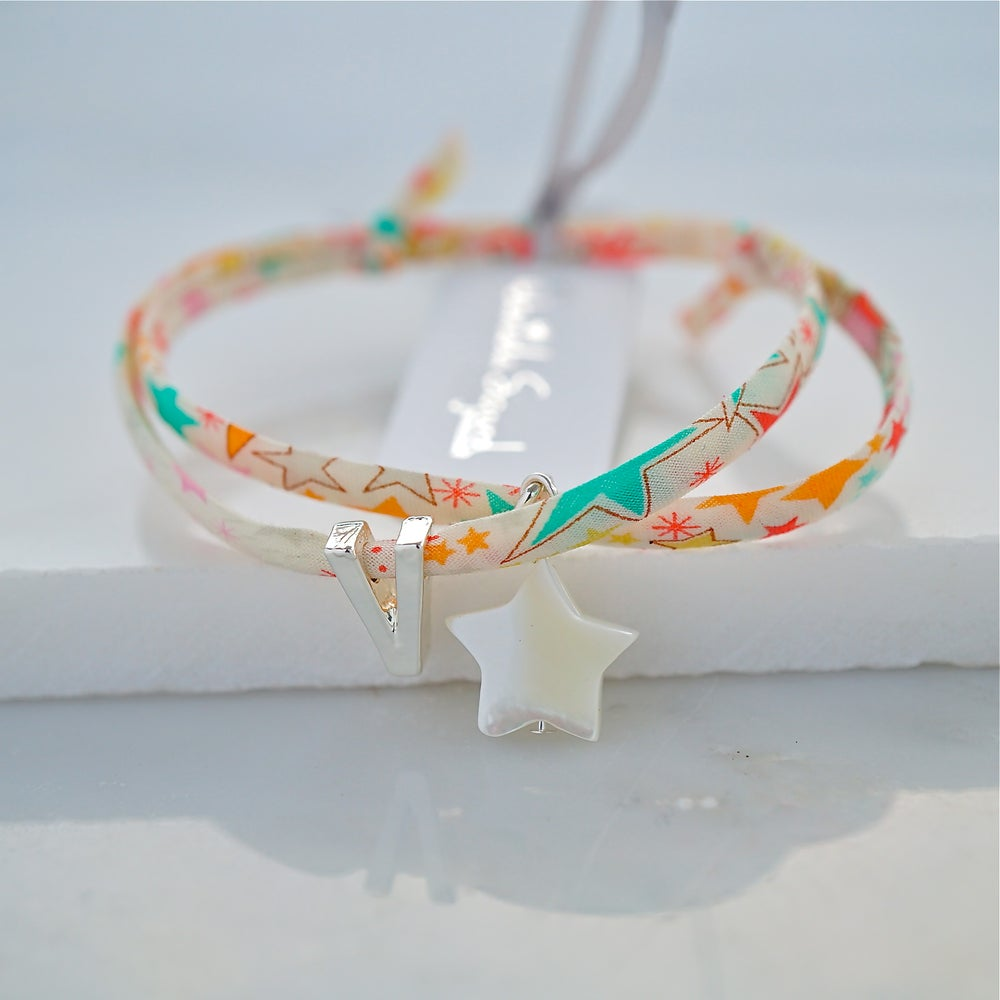 Image of Mother of pearl star bracelet