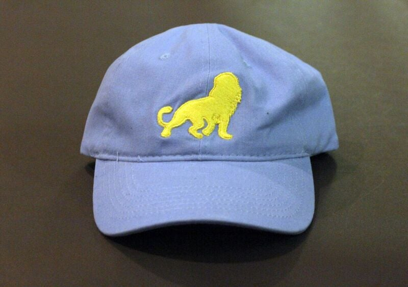 "Image of León ""Dad"" Hat (Blue/Yellow)"