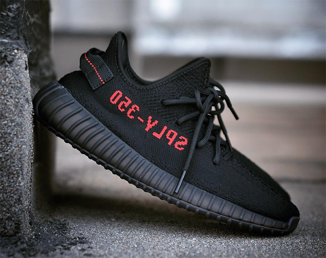 Image of Adidas YEEZY Boost 350 V2 - Breds