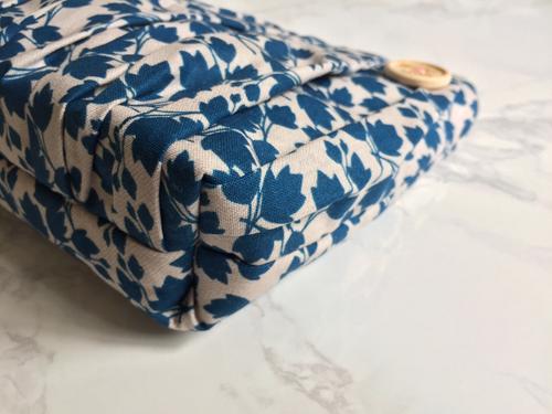 Image of Blue Ivy large zip
