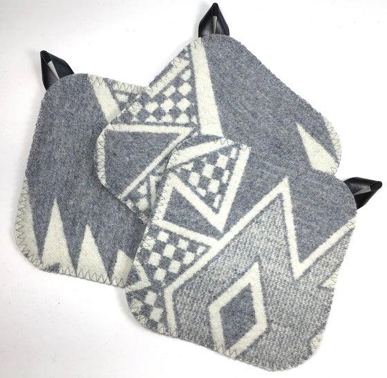 Image of Western Wool Potholder - Gray/Gray