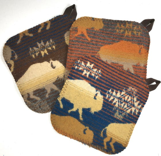 Image of Western Wool Potholder - Buffalo