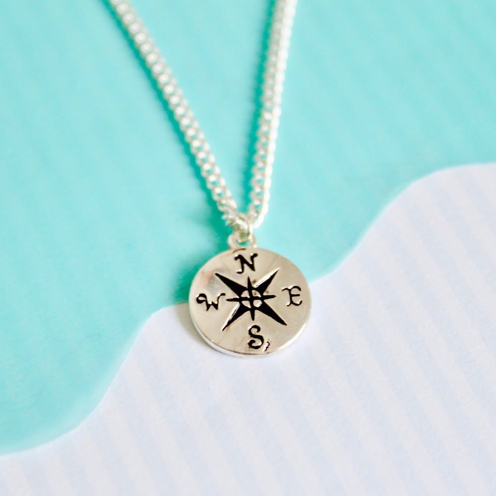 Image of SHOW ME THE WAY NECKLACE