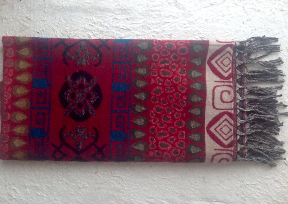 Image of Shawl. Length: 200 cm. Wide: 90 cm