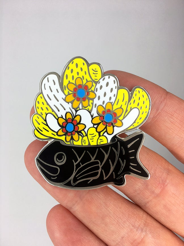 "Image of Series 1 Fishpot ""Black"" Pin"