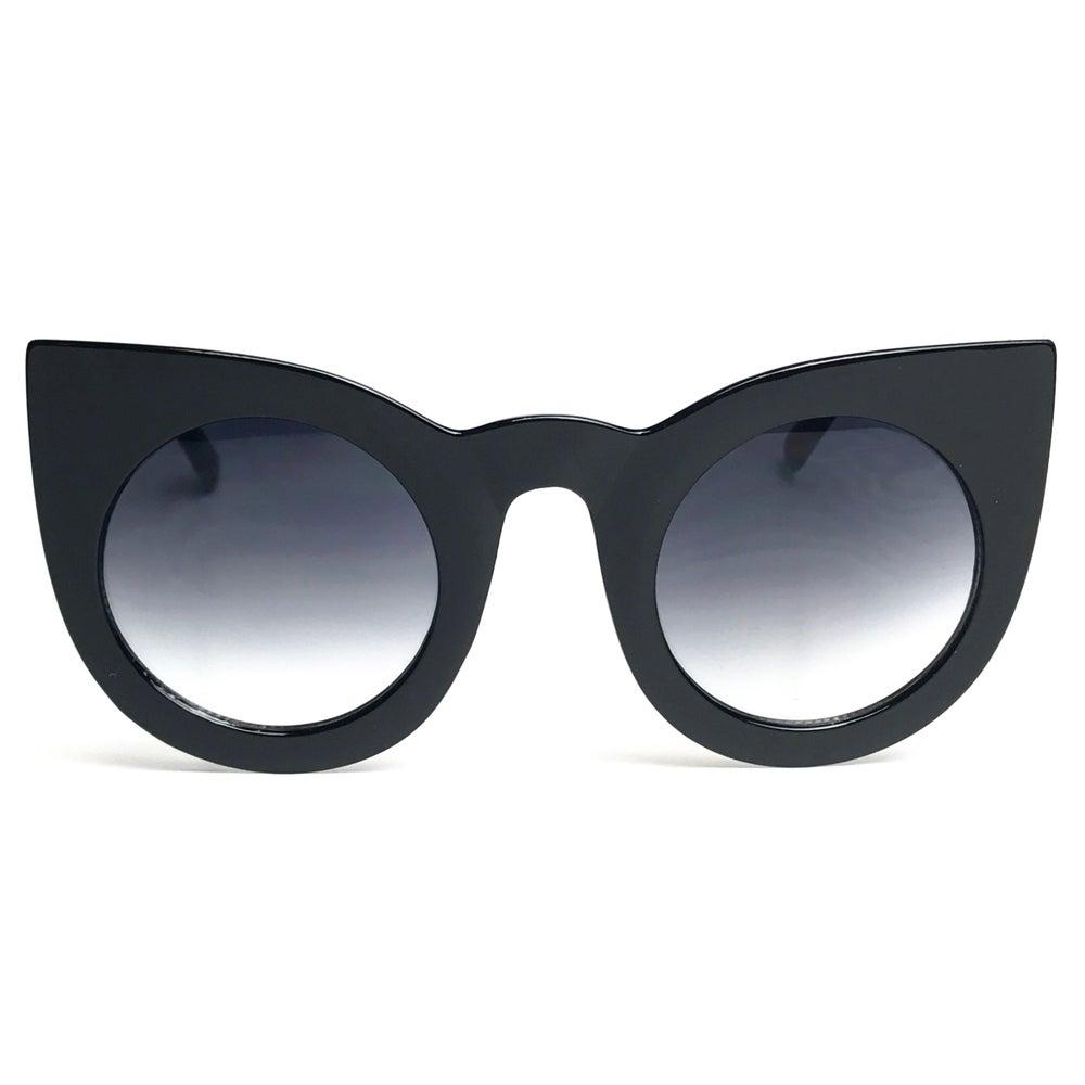 Image of POP Oversized Cateye Sunglasses - Black