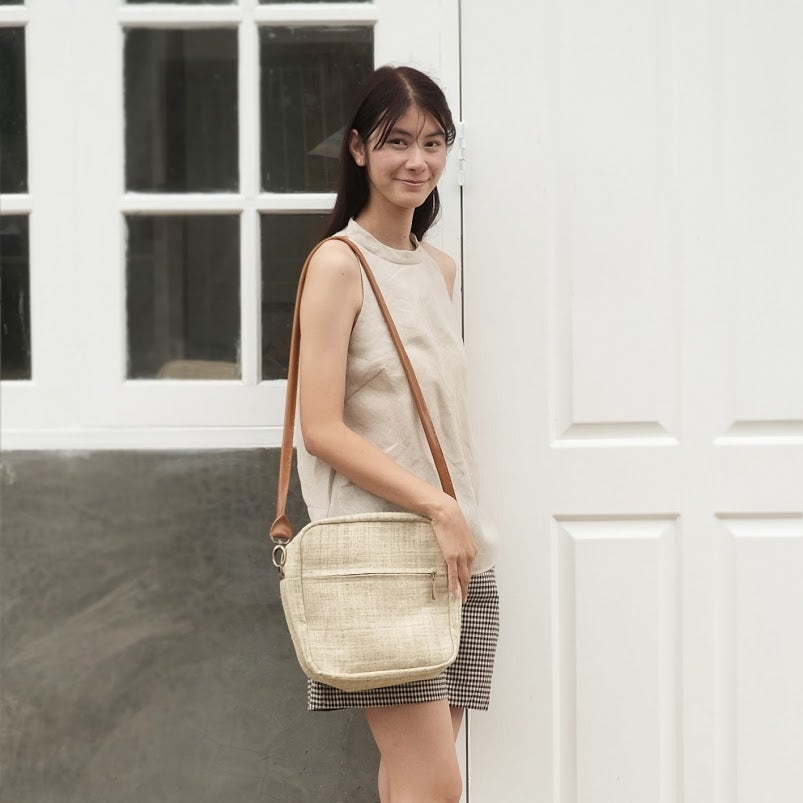 Image of Cross-body Bags Little Tan Extra Bags Hand Woven Natural Color Hemp