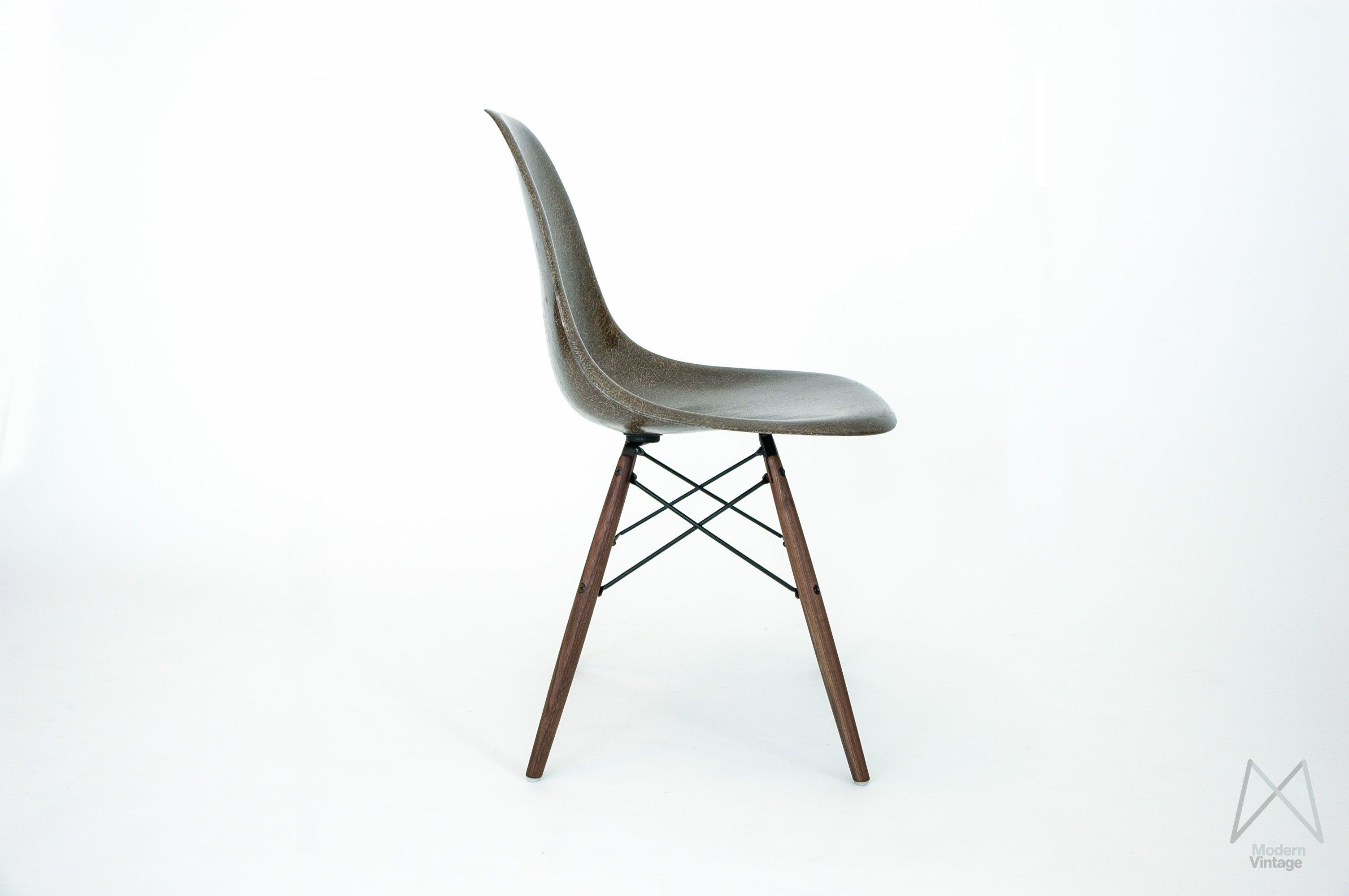 eames daw stuhl. Black Bedroom Furniture Sets. Home Design Ideas