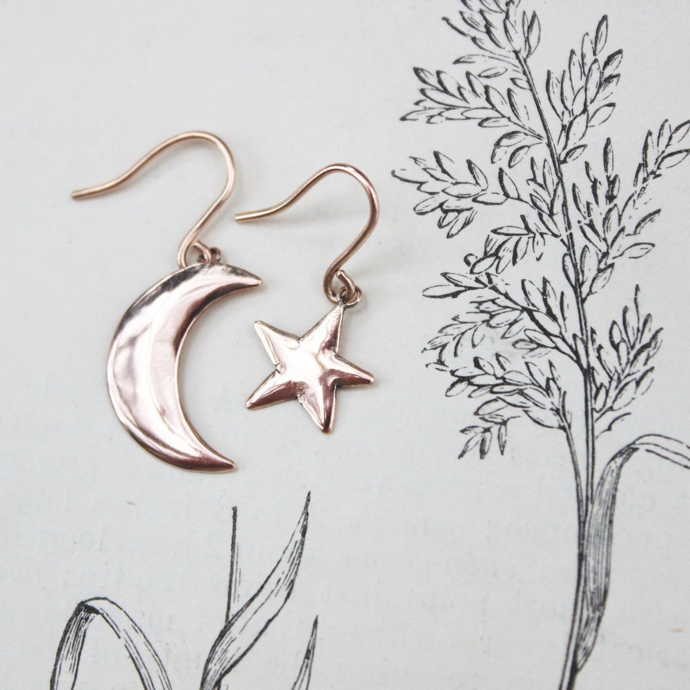 Image of *NEW* moon & star earrings