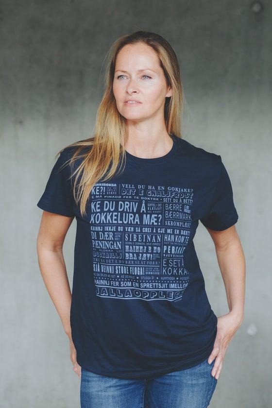 """Image of T-skjorte """"Ke du driv å kokkelure mæ?"""" (Helgeland)"""