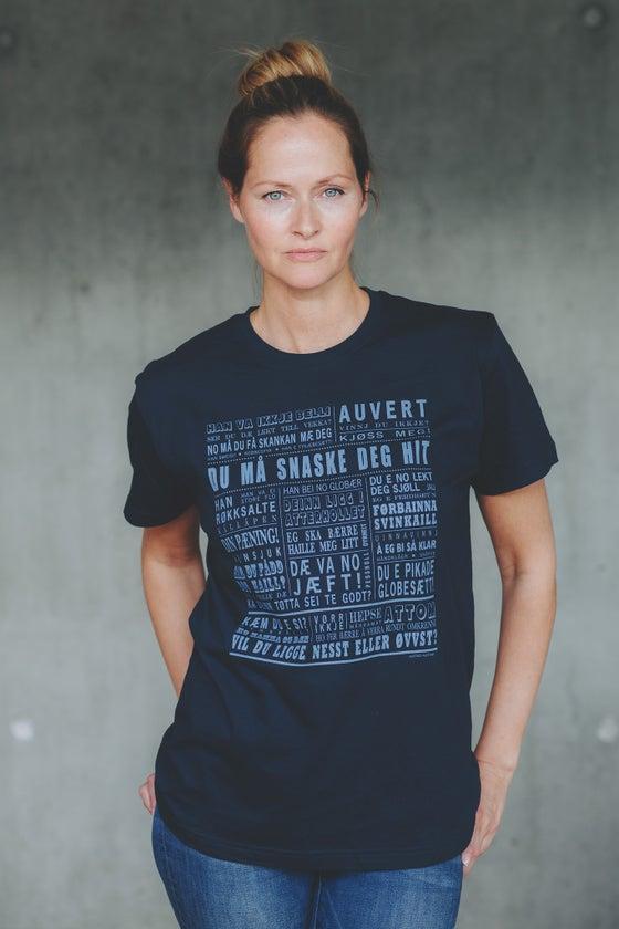"""Image of T-skjorte """"Du må snaske deg hit"""" (Senja)"""