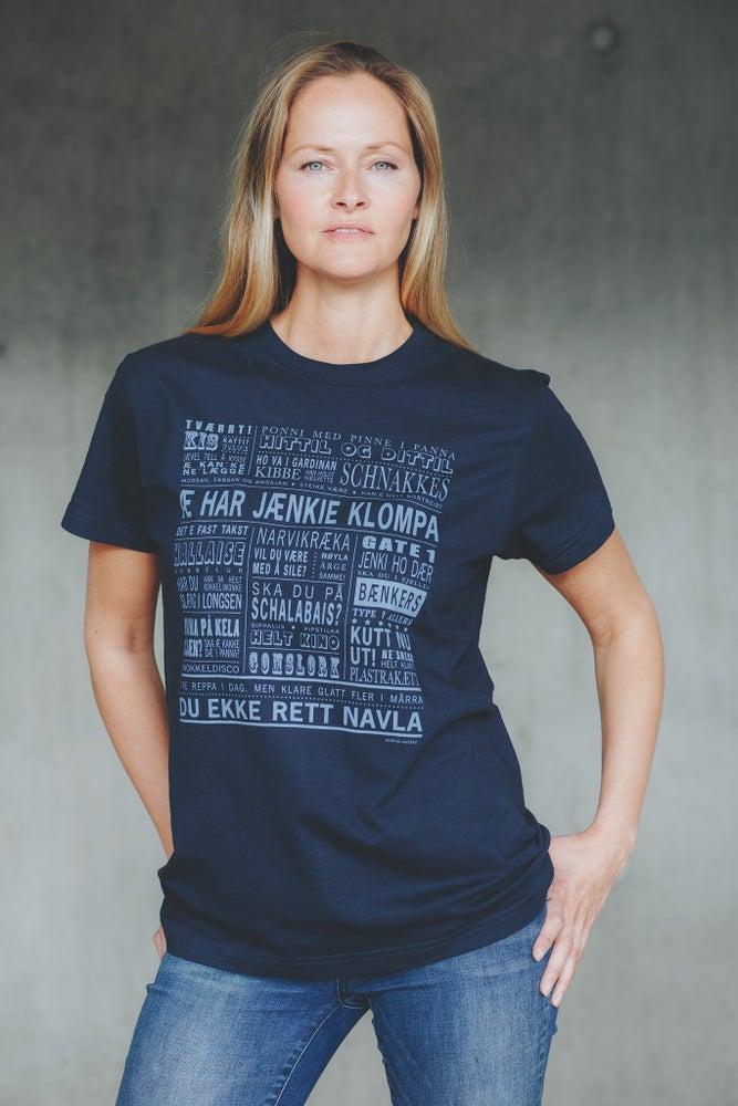 """Image of T-skjorte """"Æ har jænkie klompa"""" (Narvik)"""