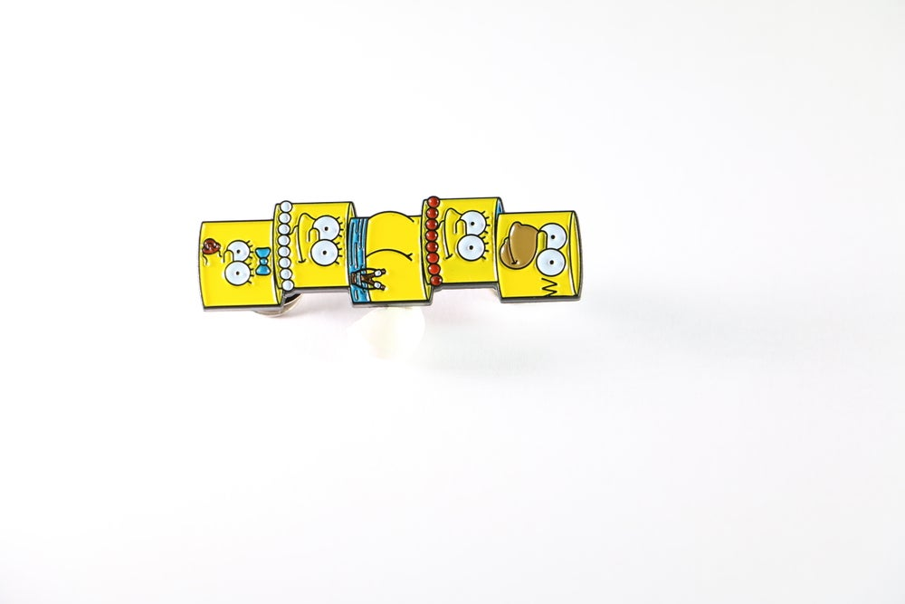 Image of 'ANTIC FAMILY' ENAMEL PIN !