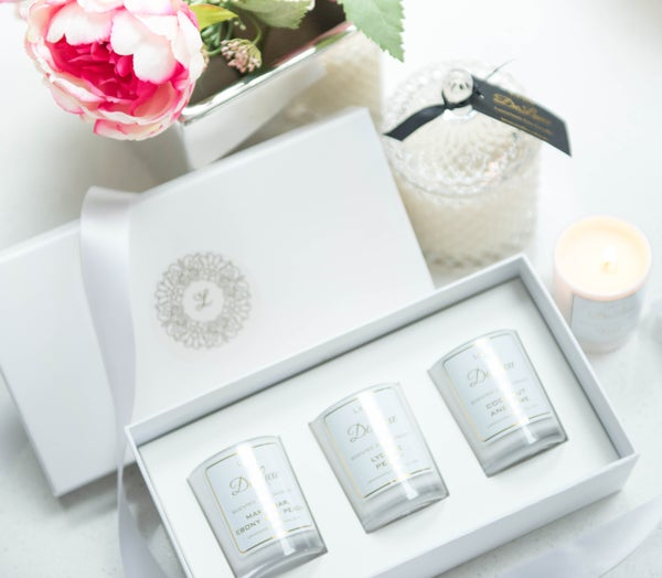 Image of Gift Pack - White and Gold DeLuxe Range