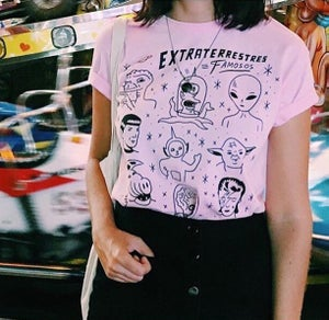 Image of EXTRATERRESTRES FAMOSOS T.SHIRT