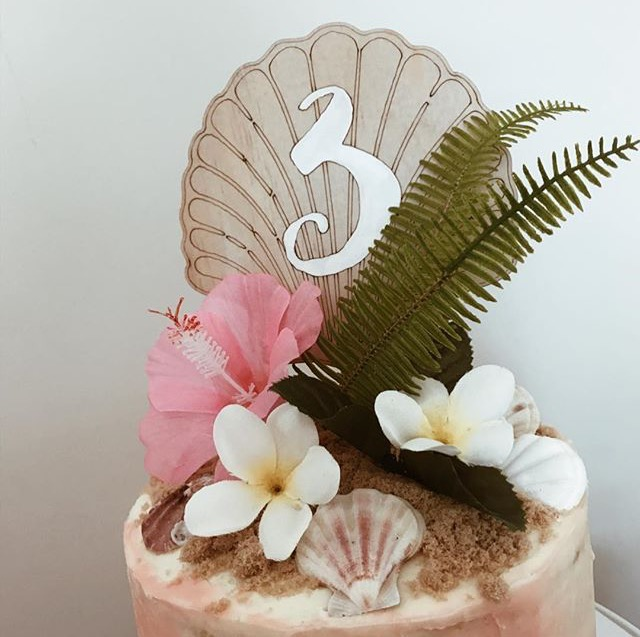Image of SHELL CAKE TOPPER