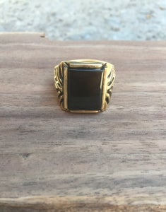 Image of Gold & onyx ring