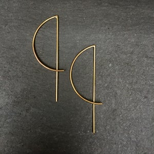 Image of Small arc earrings brass