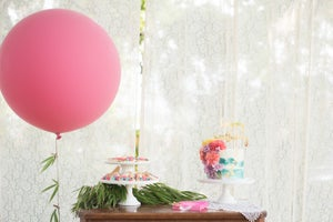 Image of Giant Round Balloons - Rose