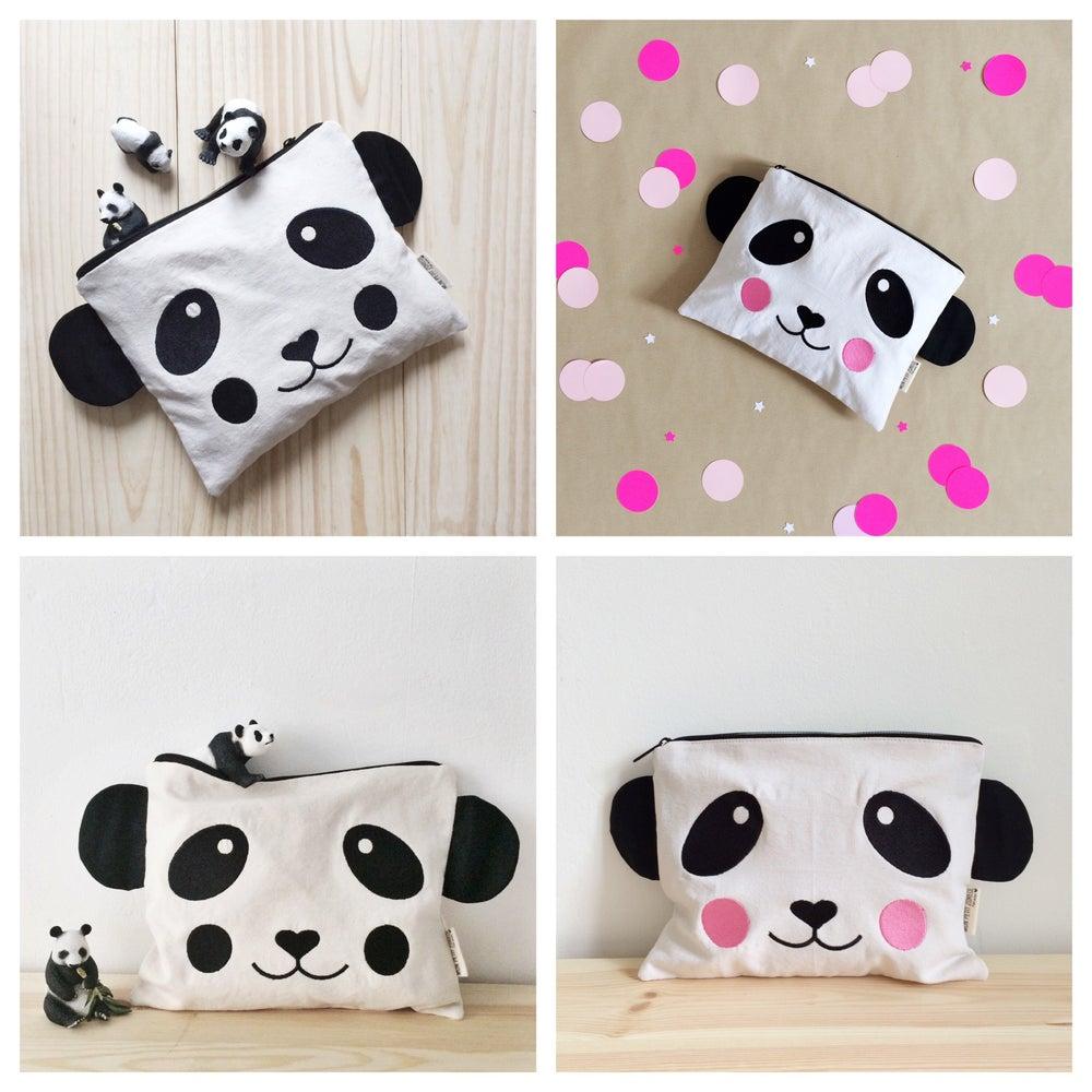 "Image of Pochette brodée  ""Panda""  (format Ipad) noir ou rose"