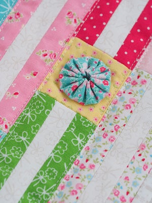 Image of PDF ONLY - Clematis Mini Quilt Pattern
