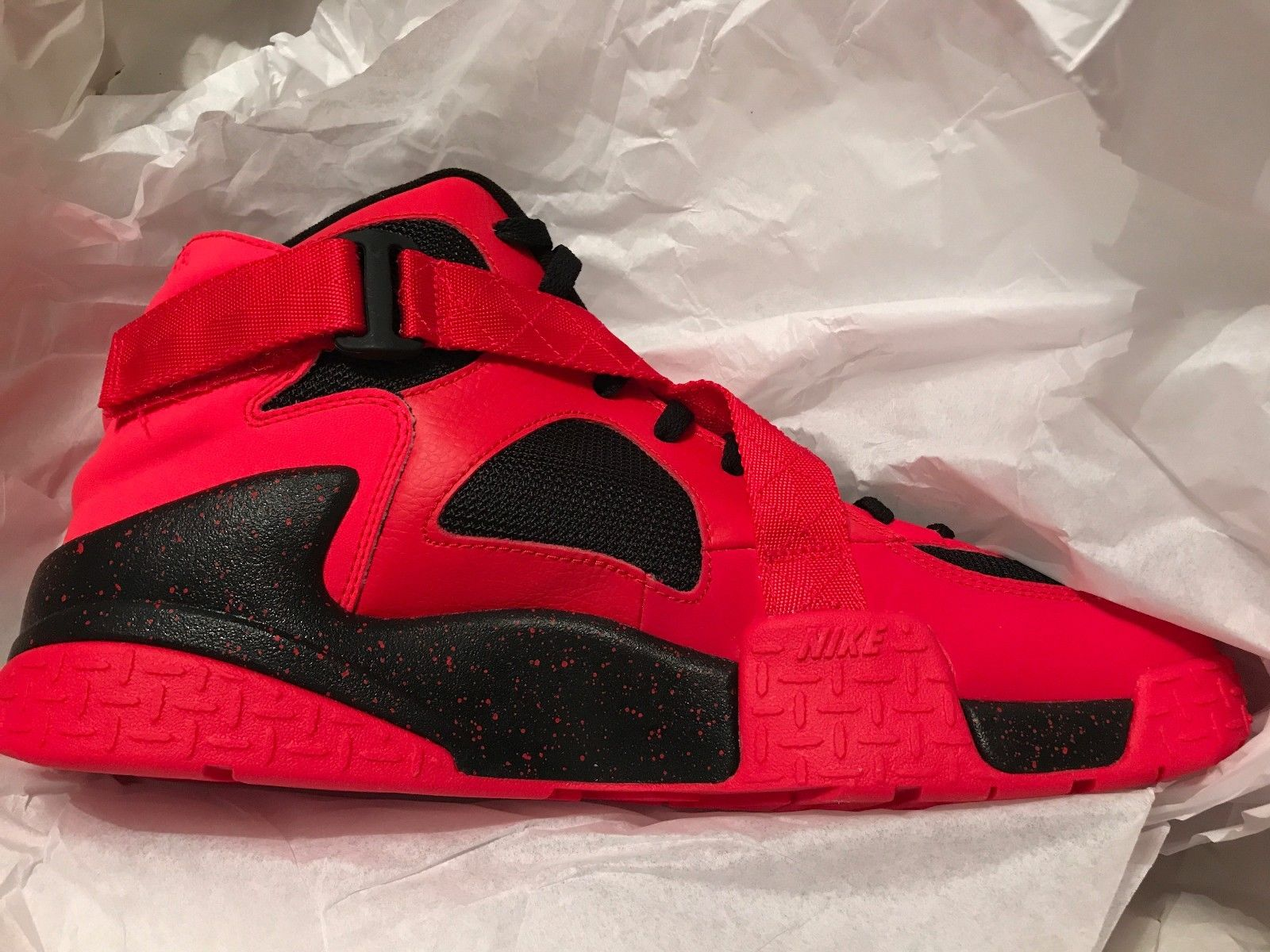 Image of Mens Nike Air Raid Lifestyle Shoes Size 13 Red Black White New