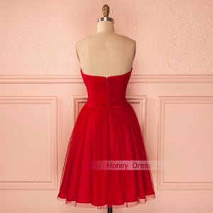 Image of Glamorous Red Ruched Bodice Sweetheart Knee Length Strapless Tulle Short Cocktail Dress