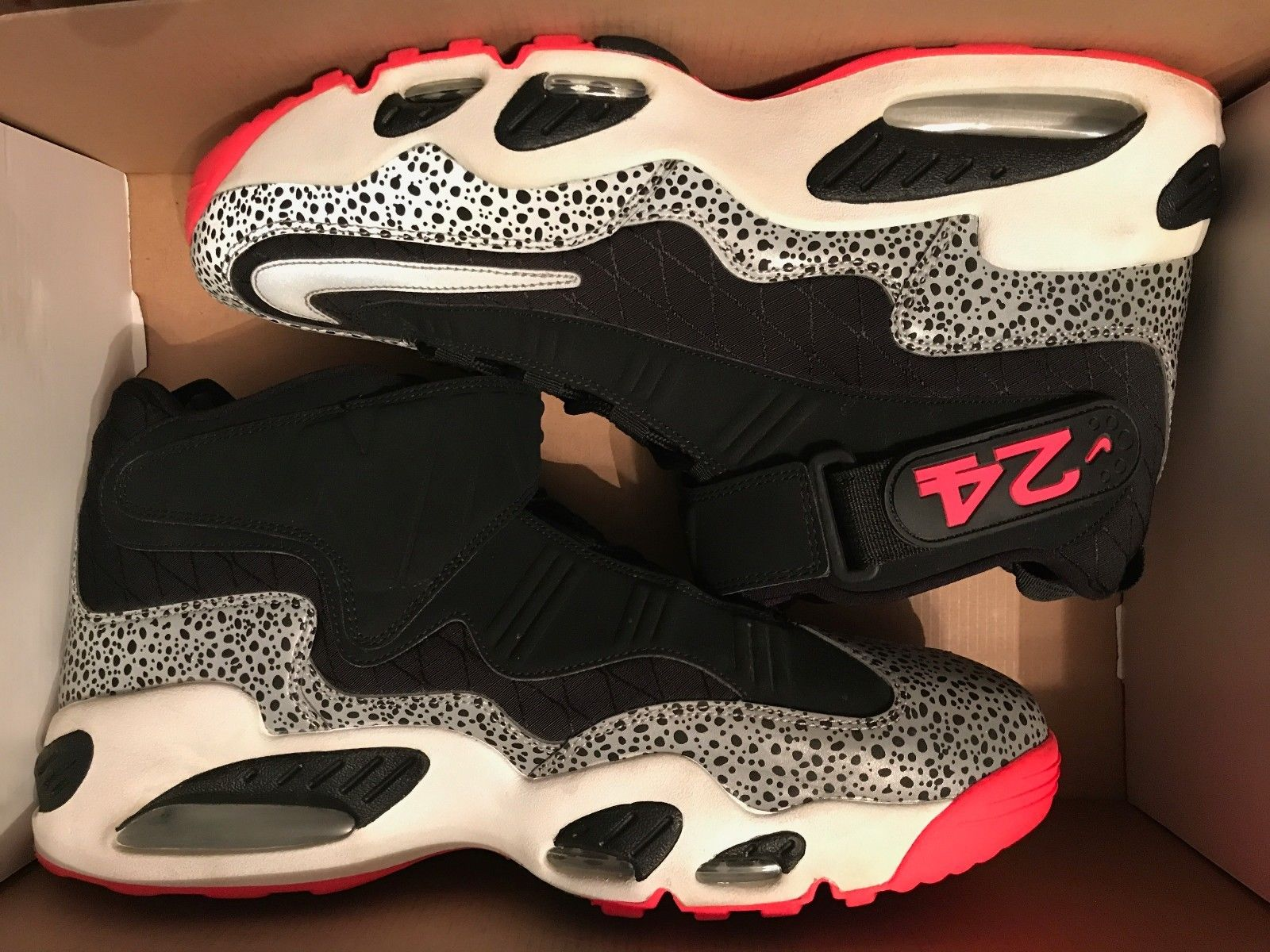 Image of Nike Air Griffey Max 1 - Black Silver Red 586090-001 - Size 13 Used