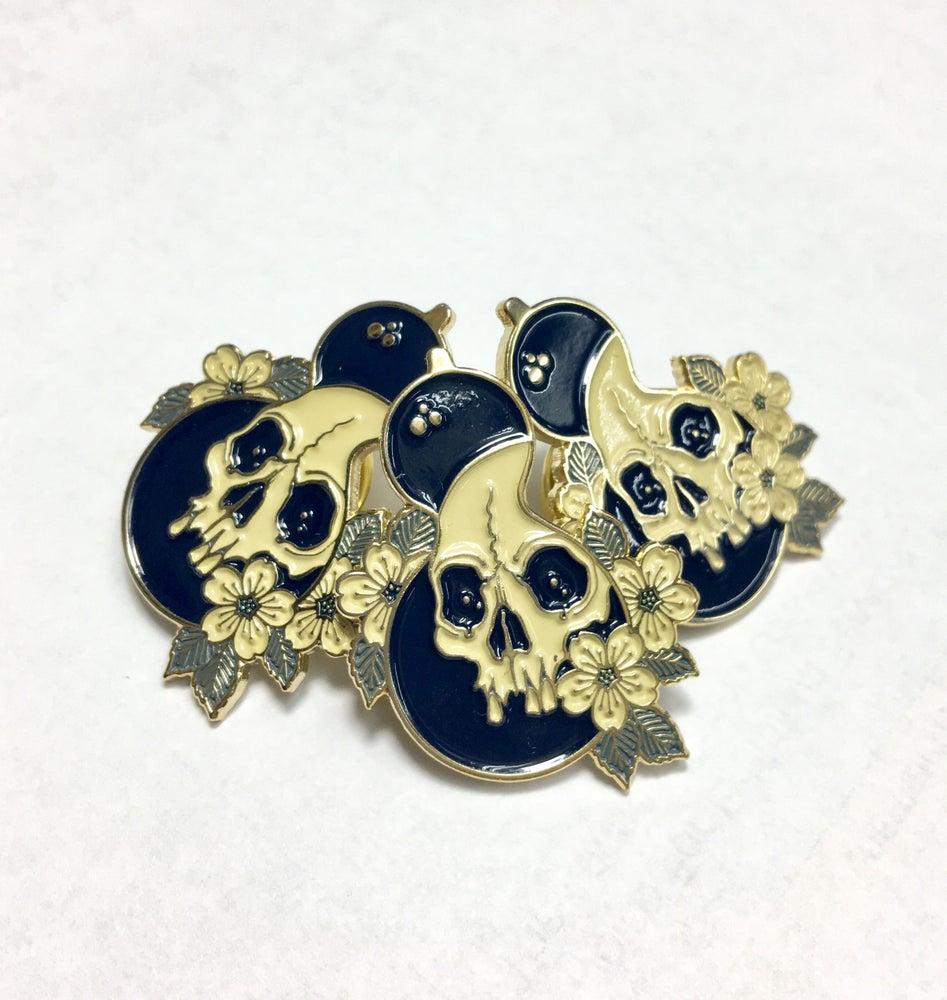 Image of Hyotan pin by Claudia de Sabe