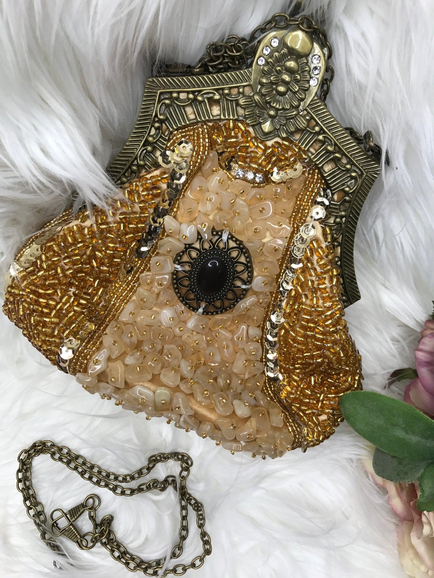 Image of Esmeralda clutch