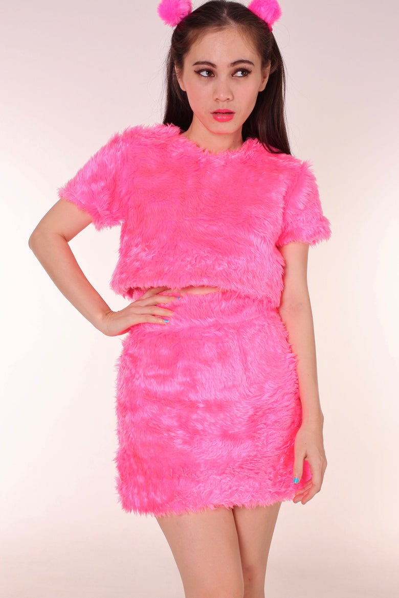 Image of Gigi Faux Fur Set in Hot Pink