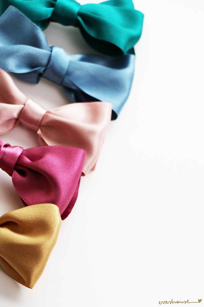 Image of Satin bow hair clip