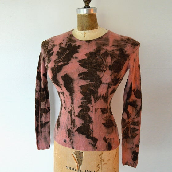 Image of ninebark leaf cashmere pullover