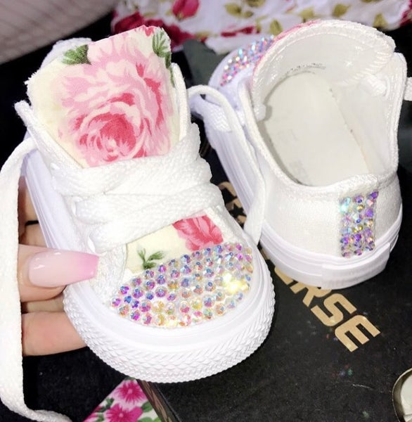 Image of Infant sparkle floral converse