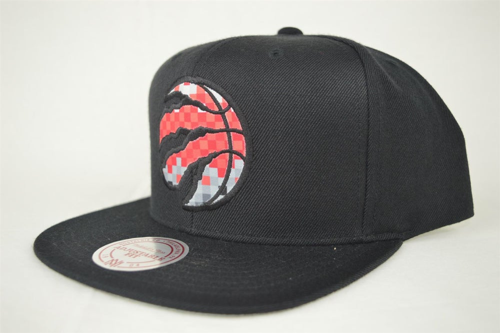 Image of Toronto Raptors CURRENT EASY 3 DIG XL LOGO Mitchell & Ness Snapback