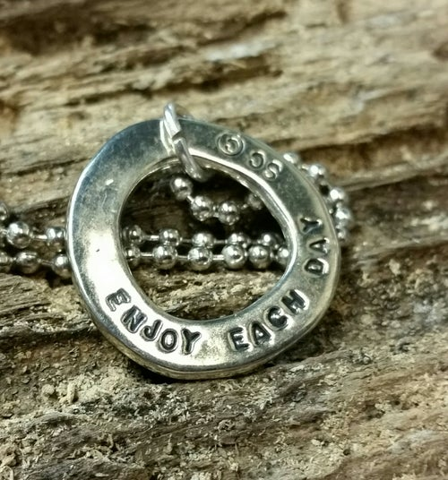 "Image of ""Enjoy each Day"" pendant"