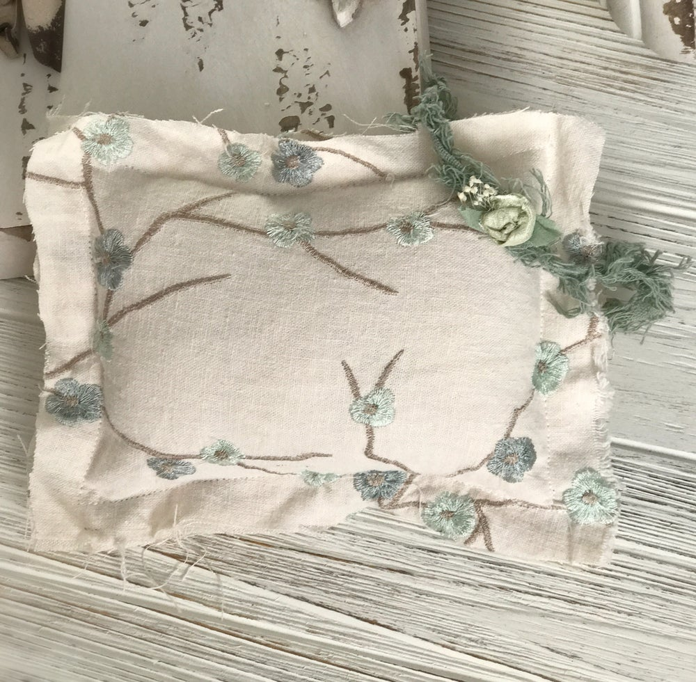 Image of Mint and blue  floral pillow set