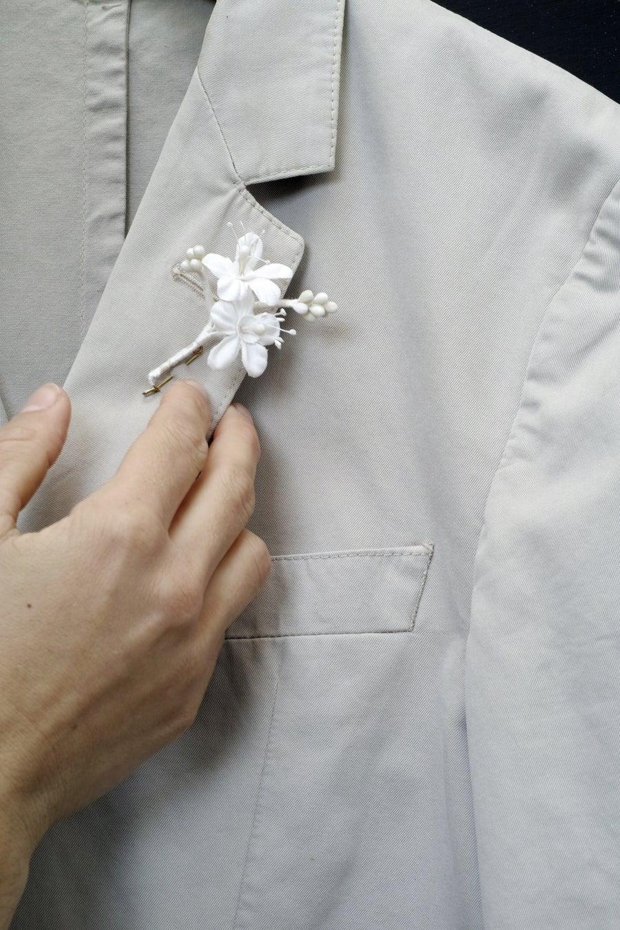 Image of Fleurs d'oranger boutonnière