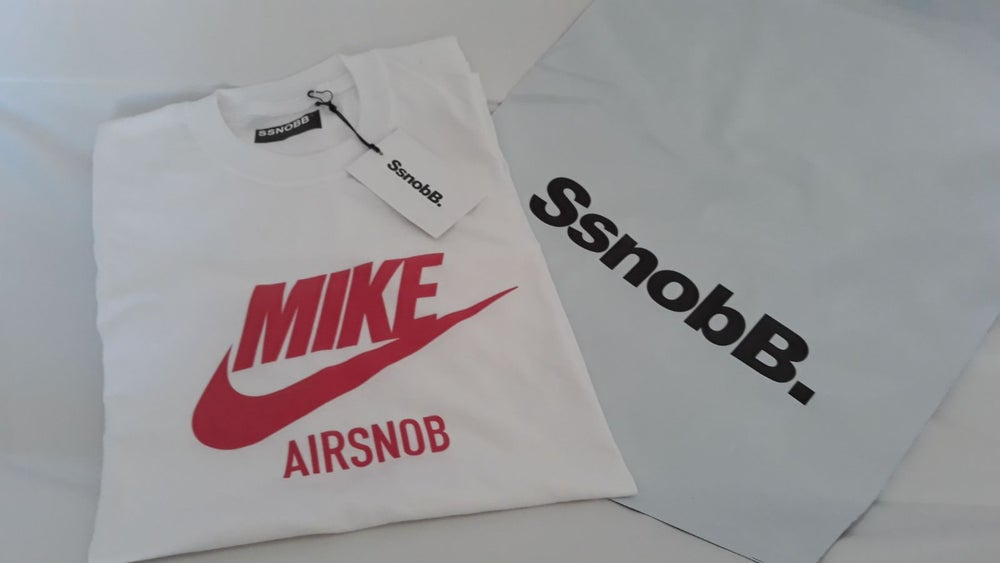 """Image of Tee """"MIKE AIRSNOB"""""""
