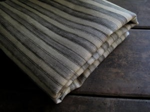 Image of STEEL GREY PRINTED STRIPE LINEN - linen back