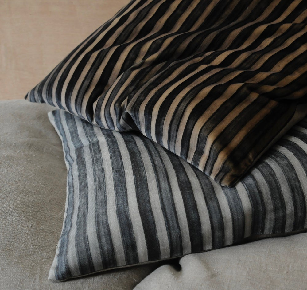 Image of MARINE/GREY PRINTED STRIPE VELVET - linen back or double side