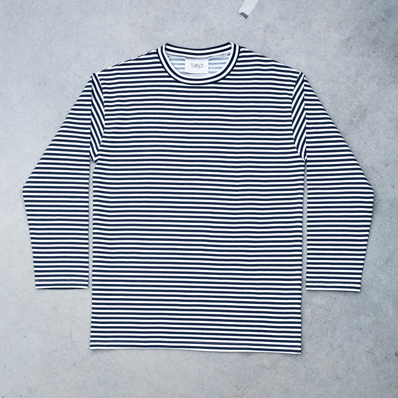 Image of THATBOII WINTER LONGLSEEVE - DARK BLUE/WHITE