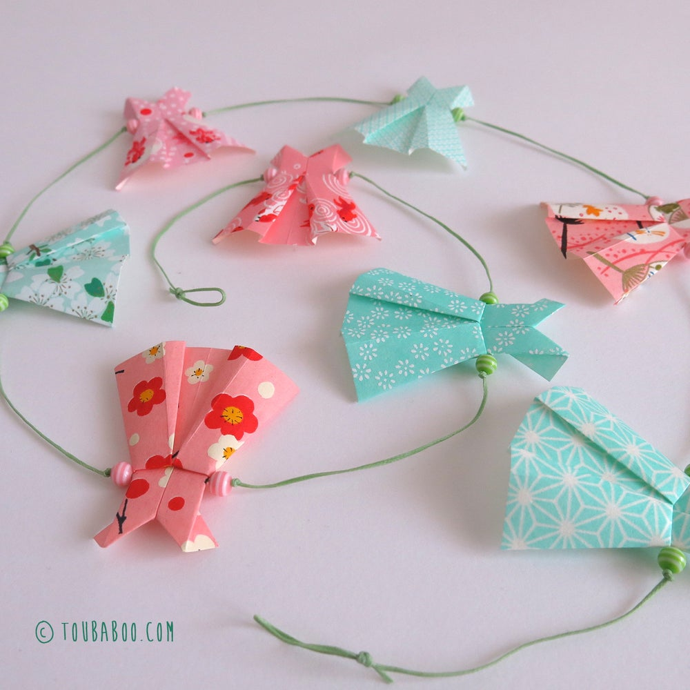 Image of Guirlande origami robes menthe et rose