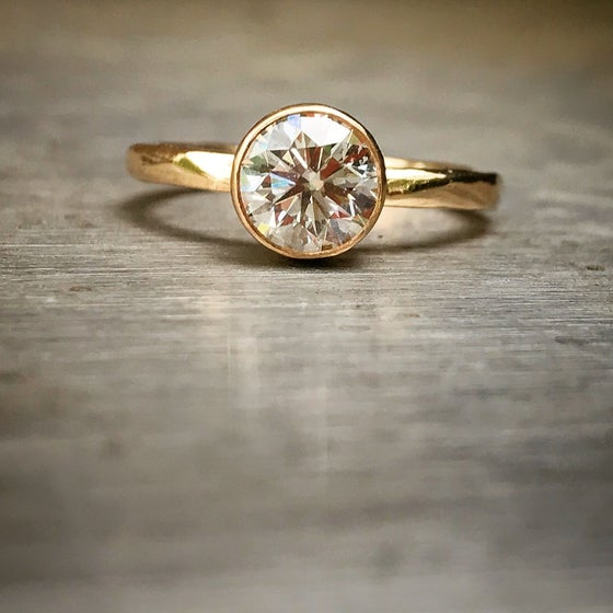 Image of Brilliant Diamond Ring