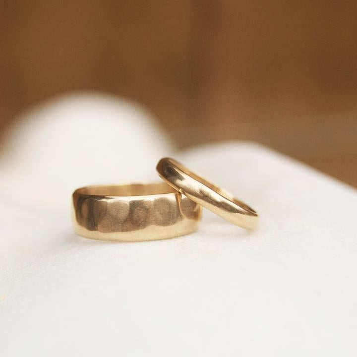Image of Thick gentle flow Gold ring