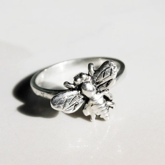 Image of Bee ring